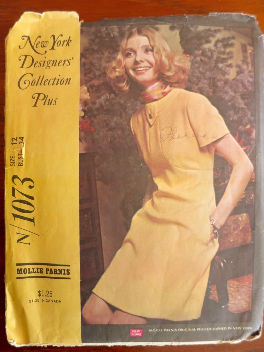 New York Designers Collection Plus N/1073 Mollie Parnis (1969)