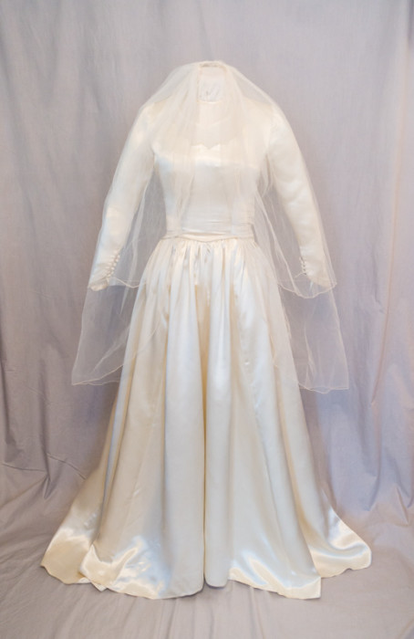 Original 1949 Wedding Gown with veil